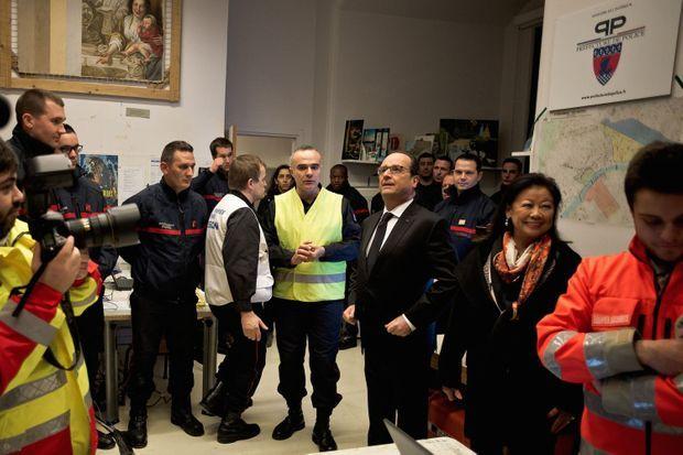 Le 31 décembre, avec les sapeurs-pompiers de Paris, au centre de sécurité des Champs-Elysées.