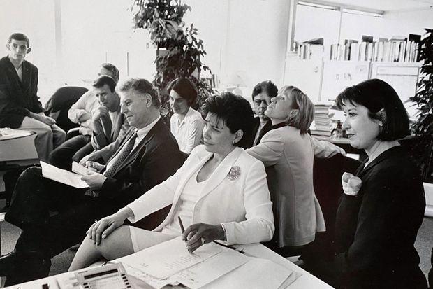 Le 6 juillet 1997, pour la dernière de «7 sur 7», à TF1. Avec Robert Namias (à g.), alors directeur de l'information.