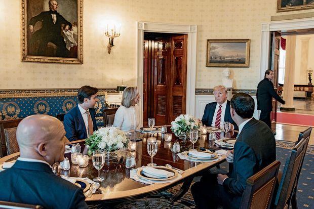Le 8 mai, à la Maison-Blanche, avec les reporters du magazine « Time », qui l'ont désigné l'homme de l'année 2016.