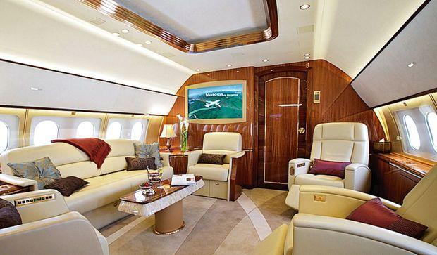 Le Boeing sera aménagé en plusieurs espaces afin de pouvoir y dormir, discuter, se restaurer dans un décor différent.