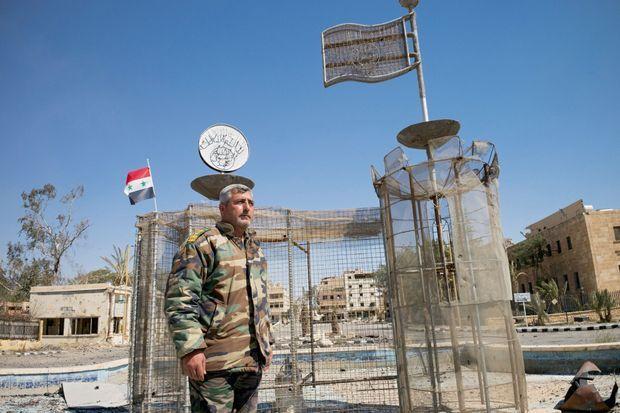 Le capitaine Samir, un des principaux officiers de la région de Homs