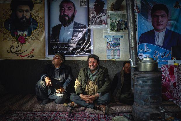 Le chef de guerre Abdul Ghani Alipour, protecteur de la communauté hazara, à Behsud, dans l'un de ses campements de la province du Wardak.