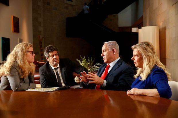Le couple Netanyahou, avec notre rédactrice en chef Caroline Mangez, et Meyer Habib, député de la 8e circonscription des Français établis hors de France.