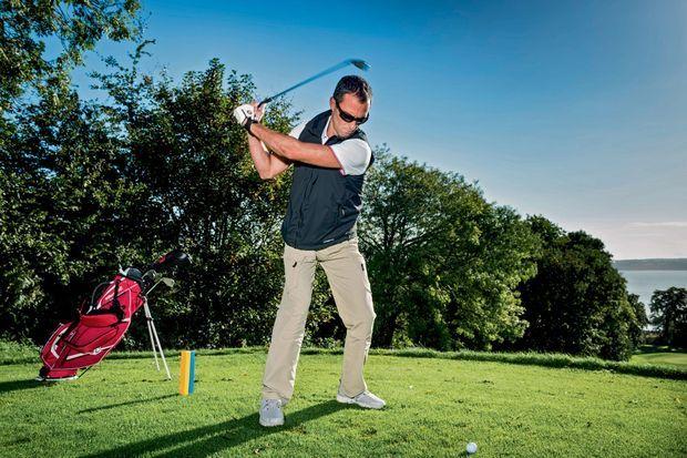 Le golf est sa passion terrestre, ici à Carantec, c'est sa femme qui l'a initié.