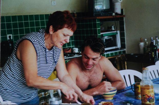 Le matin, sa mère lui préparait des tartines. Sinon, il ne mangeait rien.