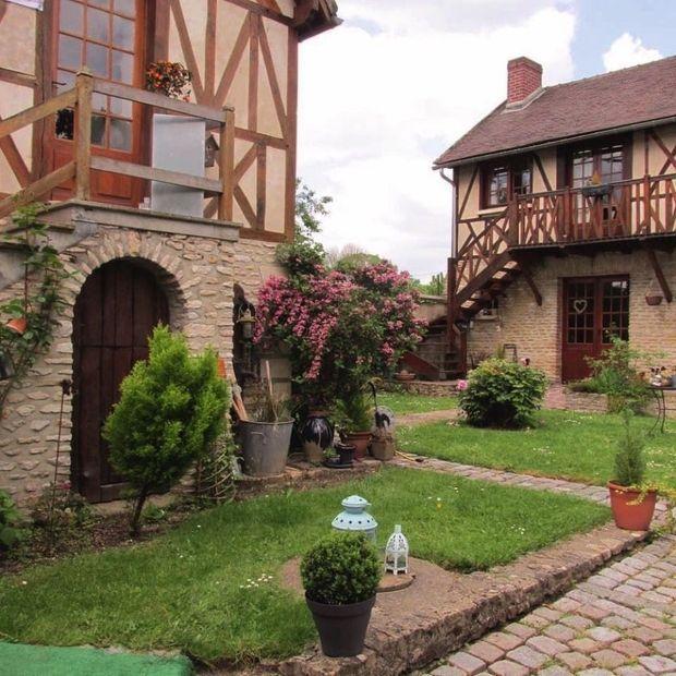 Le moulin de Fourges, aux portes du parc du Vexin, un havre paisible non loin de la Seine. Hillary Clinton y a séjourné.