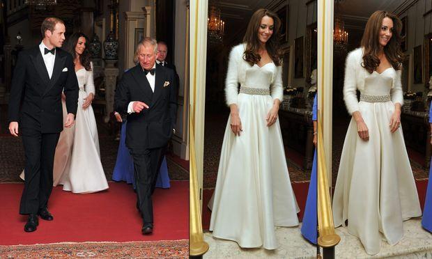 Le prince Charles, le prince William, Kate Middleton et Camilla avant le dîner à Buckingham, le 29 avril 2011