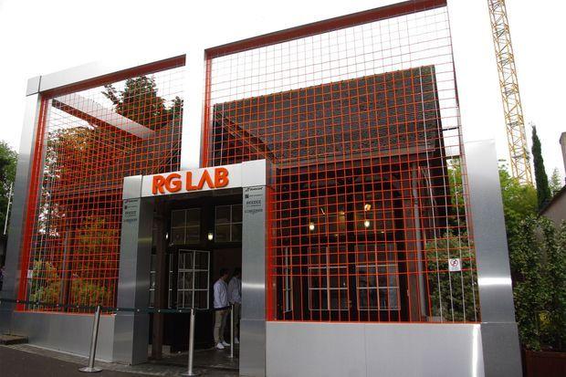 Le RG Lab, installé en plein centre du stade.