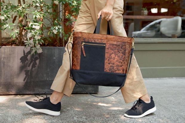Le sac Mylo en cuir de champignon imaginé par le maroquinier américain Chester Wallace et la société de bio-ingénierie Bolt Threads.