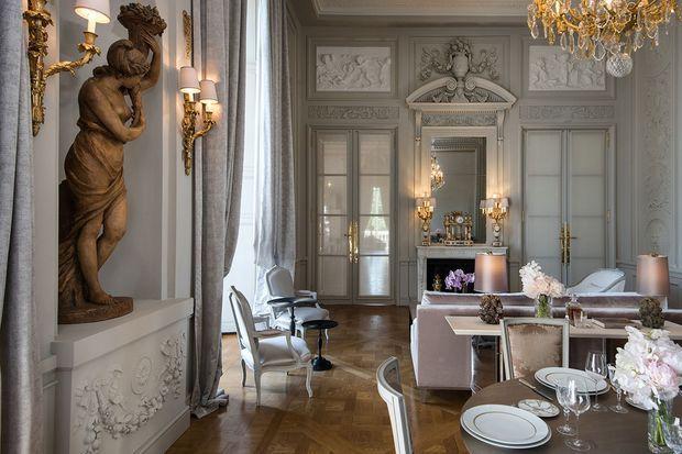 Le salon Marie Antoinette de l'hôtel Crillon.