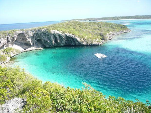 Le trou bleu de Dean dans les Bahamas.
