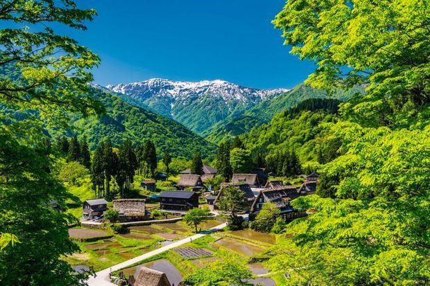Le village d'Ainokura