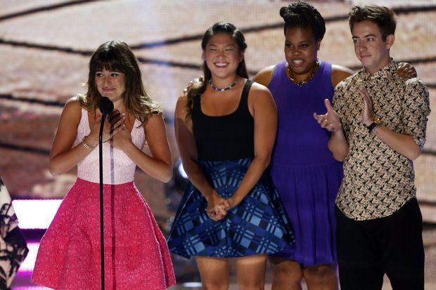 """Lea Michele et une partie de l'équipe de """"Glee"""", pendant les Teen Choice Awards"""