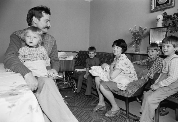 Lech Walesa en famille, en septembre 1980.