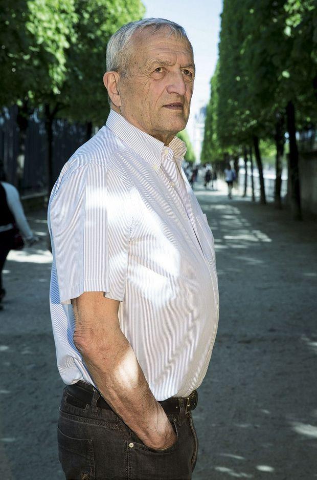 François Léotard, aujourd'hui, dans le jardin des Tuileries.