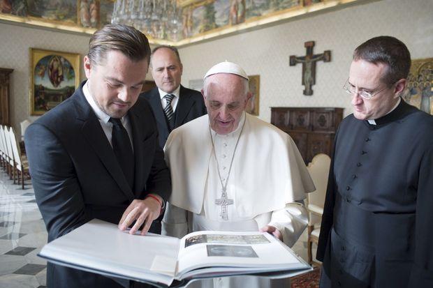 Leonardo DiCaprio et le pape François.
