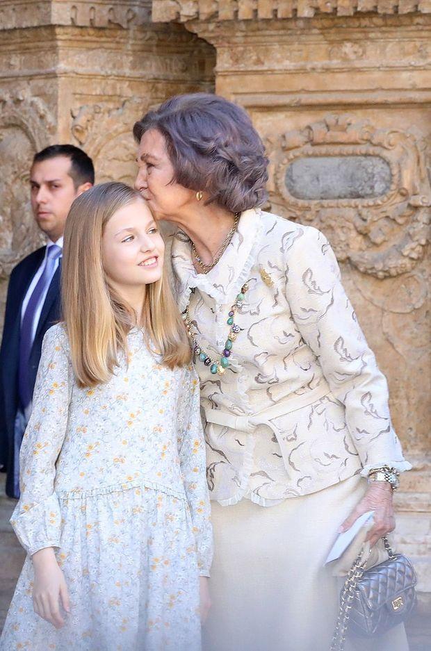 L'ex-reine Sofia d'Espagne et sa petite-fille la princesse Leonor à Palma de Majorque, le 1er avril 2018
