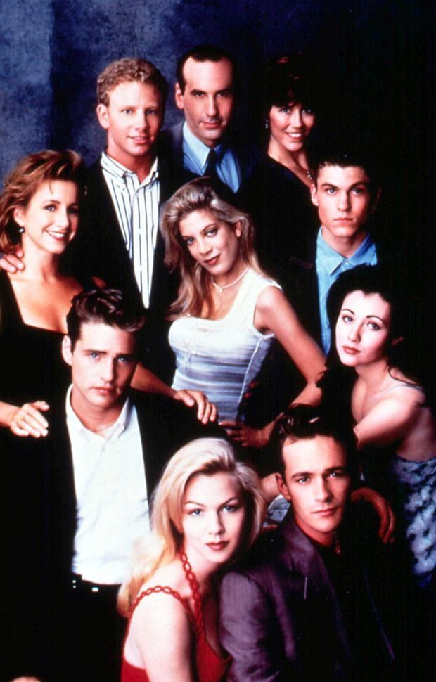 "Les acteurs de ""Beverly Hills"" : Ian Ziering, James Eckhouse, Carol Potter, Gabrielle Carteris, Tori Spelling, Brian Austin Green, Jason Priestley, Jennie Garth, Luke Perry, Shannen Doherty."