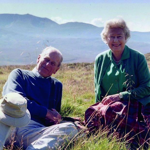 Les promenades favorites dans leur très cher domaine écossais, en 2003.