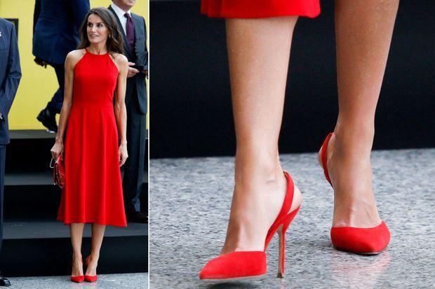 Les chaussures de la reine Letizia d'Espagne à Valence, le 3 juillet 2020