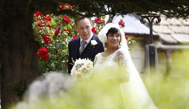 lily allen mariage cover-