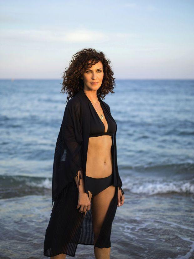Linda Hardy, 45 ans, une beauté naturelle qui ne veut pas céder à la tentation de la chirurgie esthétique.