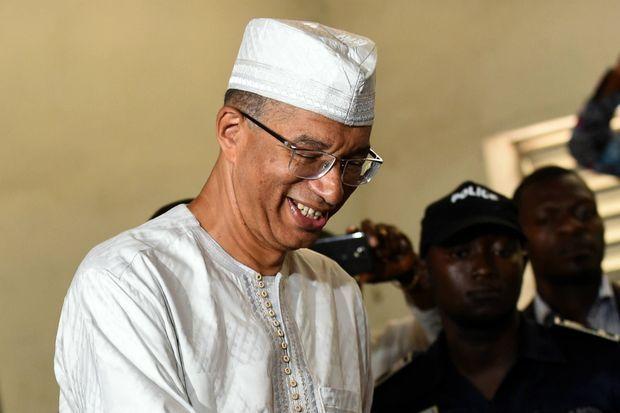 Premier tour des élections au Bénin, le 6 mars 2016, Lionel Zinsou vote à Cotonou