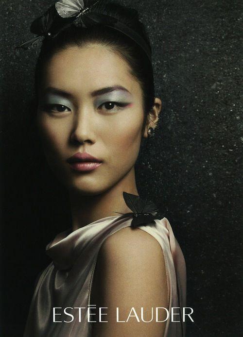 Liu Wen pose pour Estée Lauder