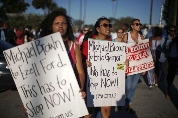 Une manifestation réclamant justice pour Ezell Ford a eu lieu jeudi à Los Angeles.