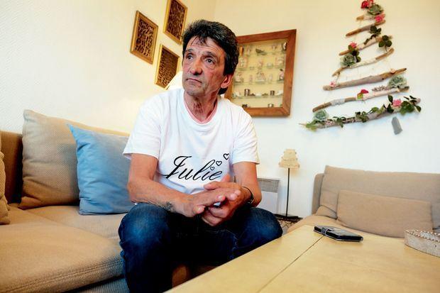 Lucien Douib, le père de Julie. Après la marche blanche, le 9 mars, il déclare : « J'espère que sa mort fera évoluer les choses. Pour moi, ce sera désormais un combat de tous les jours. »