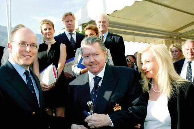 Luis Gomez del Campo Bacardi, en compagnie de sa femme, Monika, est fait membre du très sélect Yacht Club de Monaco, en présence du prince Albert II.