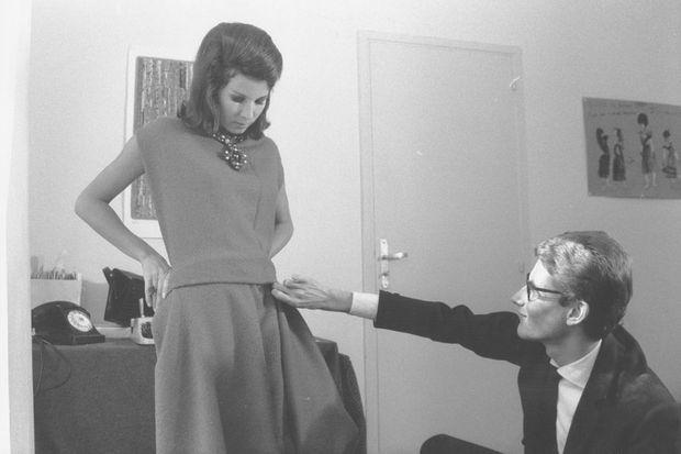 En 1961, Yves Saint Laurent lance sa propre maison de création... avec Victoire.