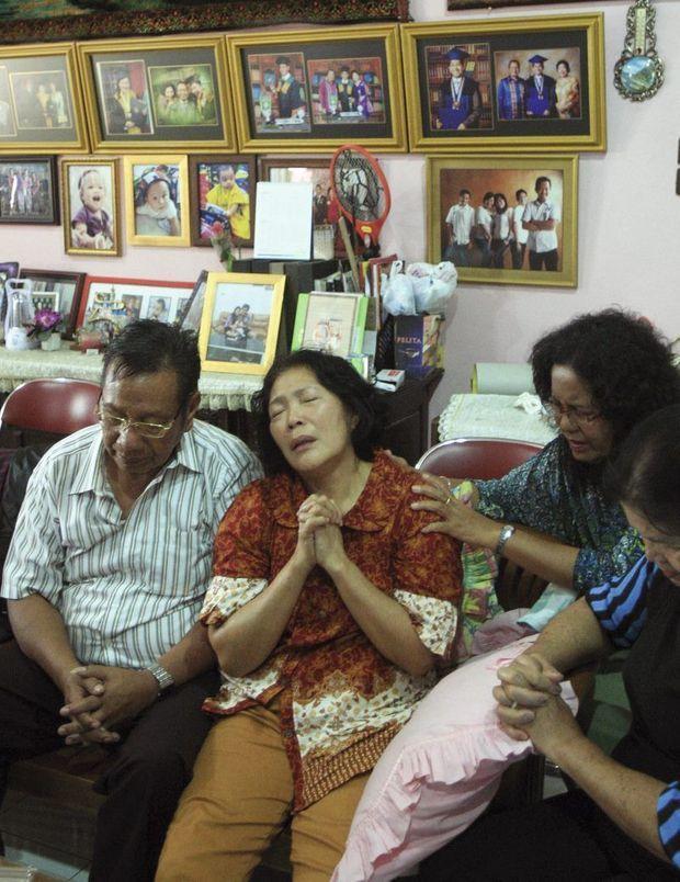 Le 9 mars, chez eux, à medan, troisième ville d'Indonésie, les parents de Firman Chandra siregar apprennent la terrible nouvelle.
