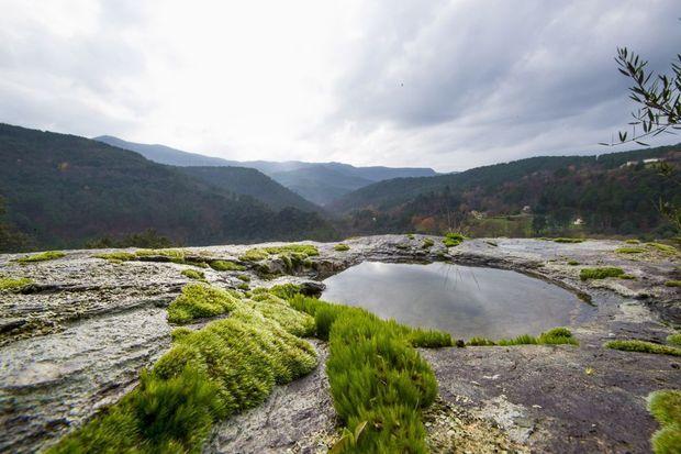 Collines, montagnes et nature à perte de vue depuis le monastère.