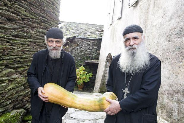 Le frère Jean et son acolyte orthodoxe, frère Joseph. Une harmonie de chaque instant.
