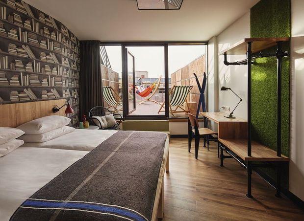 A Paris, esprit design vintage avec la dernière adresse du groupe Generator. A partir de 25 € la nuit.