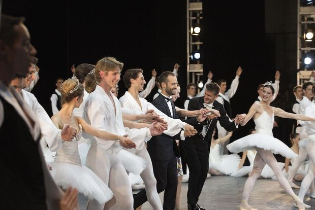 La présentation des 154 danseurs