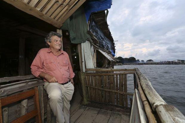 Pause détente, à l'Obama Café, en bord de mer, dimanche 27 septembre au soir.