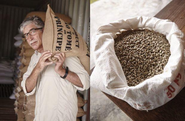 Claudio Corallo et ses fèves issues d'une plantation oubliée.