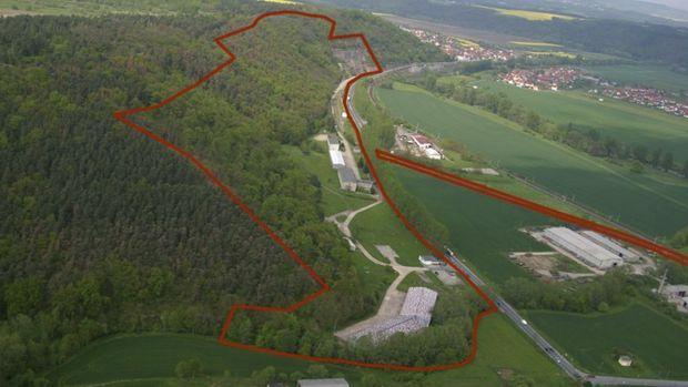 A Rothenstein, en Allemagne, c'est un ancien dép™t de munitions creusé par les Soviétiques pendant la guerre froide qu'a racheté le P-DG de Vivos. La valeur de l'ensemble du complexe est estimée à 1 milliard d'euros.
