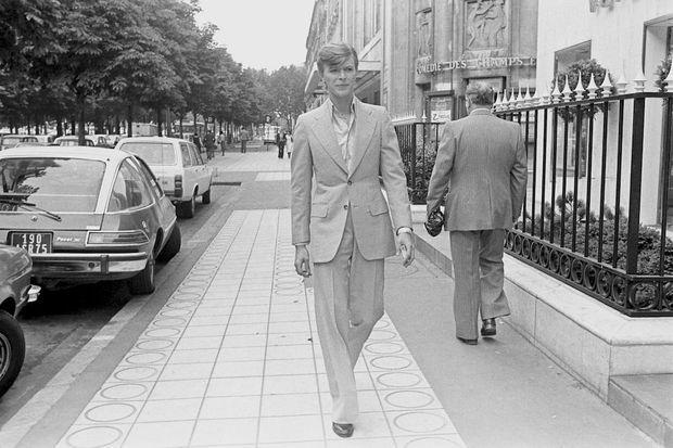 David Bowie, avenue Montaigne en 1977.