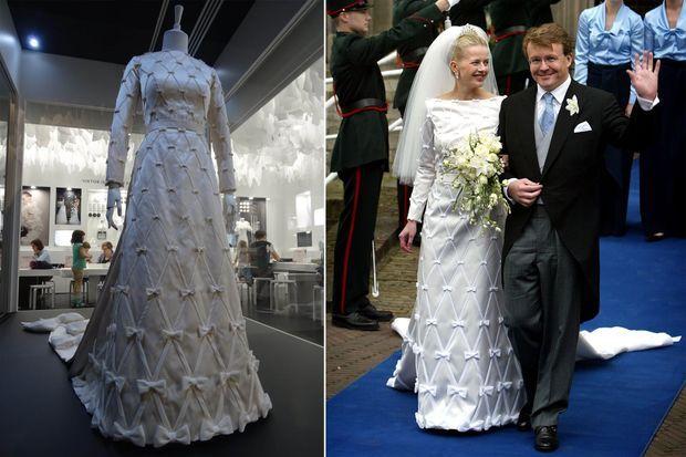 La robe de mariée exposée à Melbourne le 30 octobre 2016 et portée par la princesse Mabel le jour de son mariage le 24 avril 2004