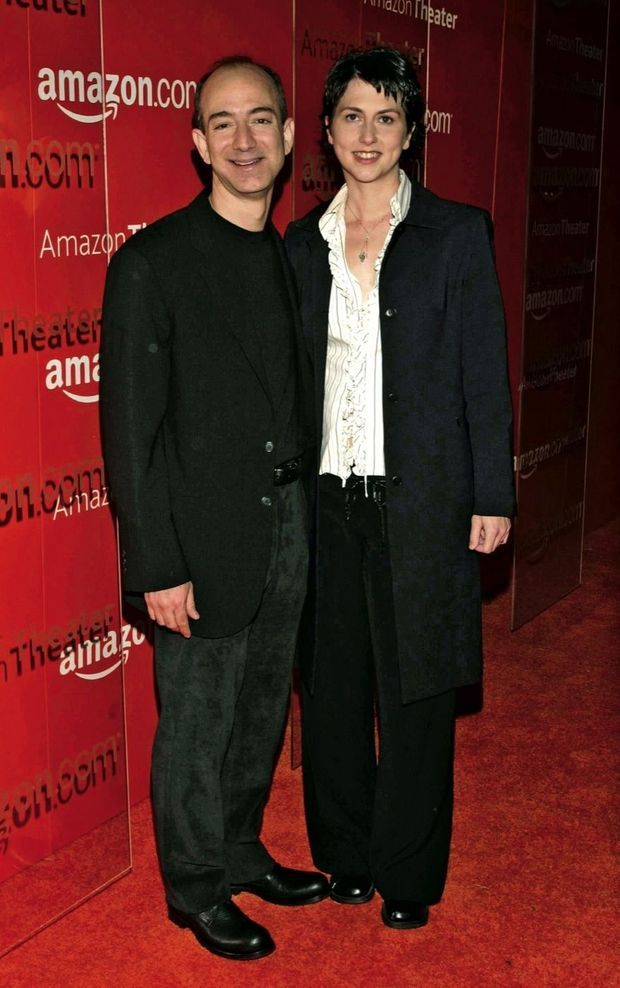 De passage à Hollywood en 2004. Une des rares apparitions de MacKenzie, qui préfère fuir les mondanités.