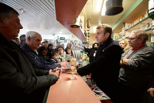 Au comptoir du Café de la Place, le 9 novembre à Bully-les-Mines.