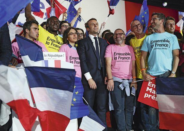 Le 1er mai, « La Marseillaise », entonnée au milieu des militants d'En marche ! pendant le meeting de la Villette.