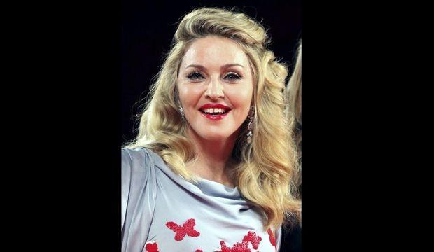 Madonna rajeunie Mostra de Venise 2011-