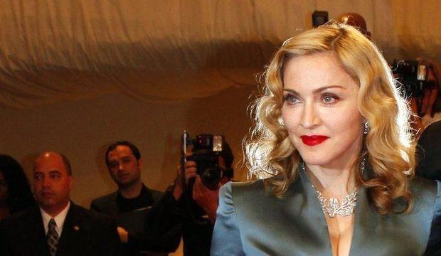Madonna_articlephoto-