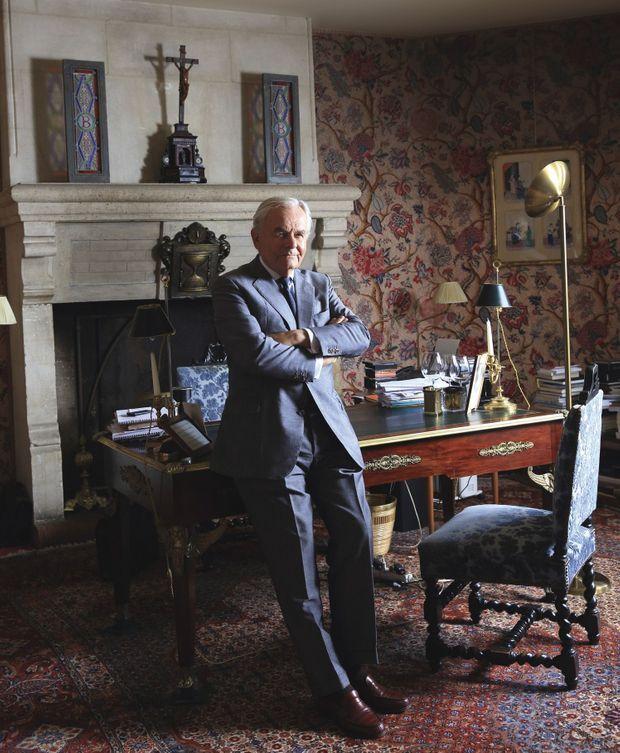 Bernard Magrez dans son bureau du château Pape-Clément. C'est depuis cet endroit raffiné qu'il dirige son empire.