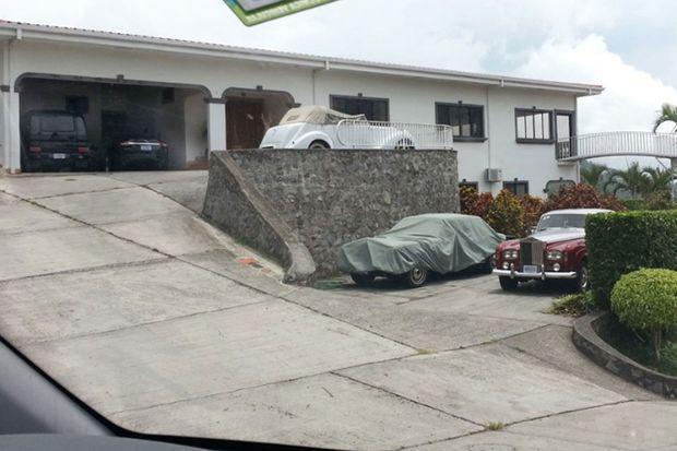 La maison d'Arthur Budovsky près d'Escazu, au Costa Rica, photographiée par les autorités. L'homme possédait une belle collection de voitures de luxe.