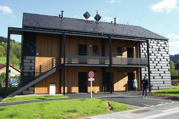 Maison passive avec des tuiles solaires.